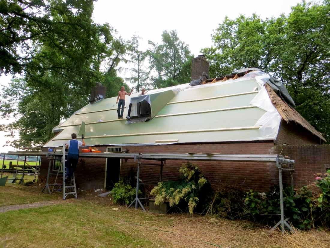 Constructie, Gesloten onderconstructie rieten dak