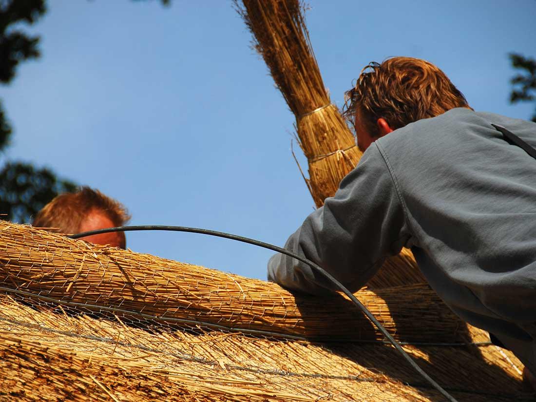 Constructie, Rieten dak met rietrol nokafwerking