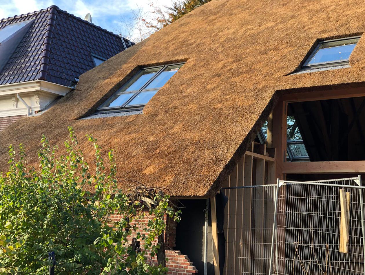 Haren  | rieten dak haren na met velux dakramen