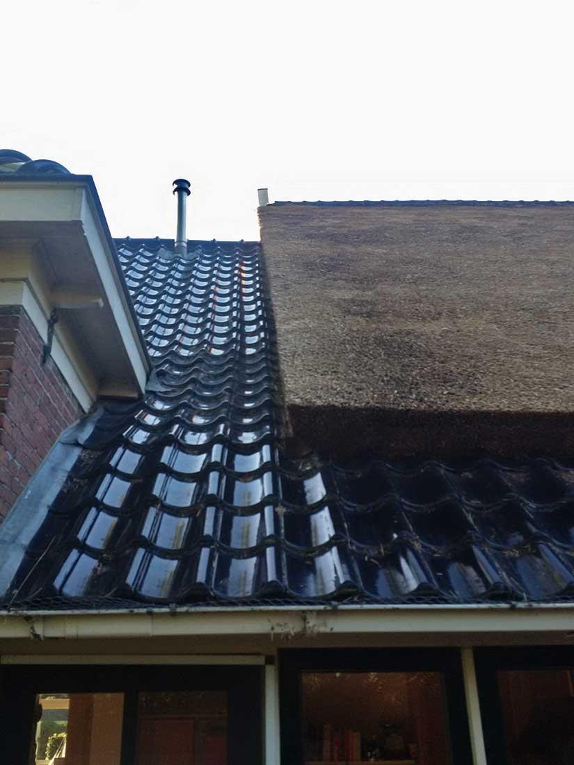 Eelde - Rieten dak met pannen